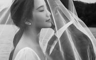 Tổng giám đốc Phan Thành tự tay khoe thiệp mời và hé lộ ảnh cưới đẹp xỉu, dân tình nôn nóng đếm ngược tới giờ G