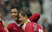 Ronaldo và Rooney nói gì khi đồng đội Solskjaer còn là HLV tập sự