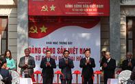 """Khai mạc trưng bày """"Đảng Cộng sản Việt Nam - Từ Đại hội đến Đại hội"""""""