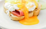 """Chào ngày mới với món bánh mỳ trứng chảy này, chị em không chỉ tràn đầy năng lượng mà còn có thể khiến thiên hạ """"lác mắt""""!"""