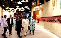 Tổng thống Cộng hòa Sierra Leone thăm Nhà Triển lãm Việt Nam tại EXPO 2020 Dubai