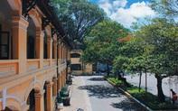 Đến Hải Phòng du lịch, hãy ghé qua ngôi trường trăm tuổi này: Đẹp cổ kính dưới ánh nắng, đứng ngắm mà xao xuyến lòng