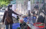Hà Nội: Độc đáo những gian hàng đổi rác thải nhựa... lấy rau củ quả