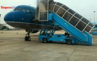 Mở cửa hàng không, giá vé máy bay giảm mạnh