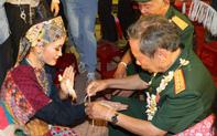 Hơn 500 lưu học sinh Lào vui đón Tết Bunpimay trên đất Cố đô Huế