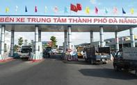 Nhân viên kiểm soát vé bến xe Trung tâm Đà Nẵng chặn xe cứu thương để thu tiền