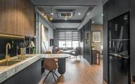 Căn hộ 60m² đẹp sang chảnh với sắc đen – vàng tinh tế của chàng trai độc thân ở Long Biên, Hà Nội