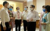 Thủ tướng: Tạo điều kiện thuận lợi nhất cho nghiên cứu, sản xuất vaccine