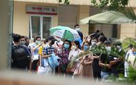Bí thư Hà Nội chỉ đạo chấn chỉnh ngay tình trạng chen lấn tiêm vắc xin COVID-19 tại Bệnh viện E
