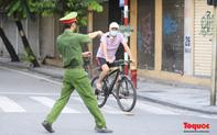 Hơn 1 ngày, Hà Nội xử phạt 291 trường hợp và 05 cơ sở vi phạm các quy định về giãn cách xã hội