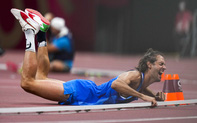 Sự kiện độc nhất vô nhị tại Olympic: 2 VĐV cùng giành HCV ở một nội dung, VĐV người Ý quá sung sướng, ôm mặt lăn lộn khóc không ngừng