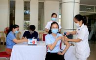 Thừa Thiên Huế: Phấn đấu 92% người từ 18 tuổi trở lên được tiêm vaccine trong năm 2021