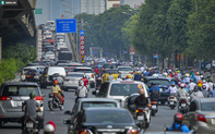 Ngày cuối giãn cách xã hội đợt 4, nhiều tuyến phố Hà Nội xe cộ tấp nập