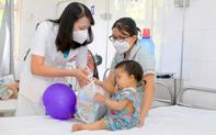 Mang Tết Trung thu đến với các bệnh nhi đang điều trị tại Bệnh viện Trung ương Huế
