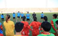 """HLV Mai Đức Chung """"đọc vị"""" sức mạnh tuyển nữ Tajikistan"""