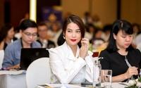 Dàn giám khảo xuất hiện trong họp báo Liên hoan phim Việt Nam lần thứ XXI tại Vũng Tàu