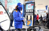 Giá xăng sau khi tăng liên tiếp, nay giảm nhỏ giọt