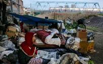 Trước thềm Olympic Tokyo 2020: Bất ngờ hình ảnh người vô gia cư hoang mang tìm chốn trú ẩn