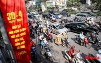 Đường phố Hà Nội ùn tắc hàng giờ sau kì nghỉ lễ 4 ngày