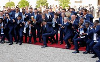 """Nóng: Tiệc cúp vàng tuyển Pháp """"thăng hoa"""" cùng Tổng thống Macron"""