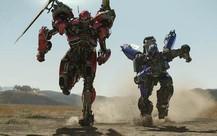 """""""Phi đội"""" kẻ thù không đội trời chung của Bumblebee- chú robot ong nghệ quả cảm trong bom tấn ngoại truyện"""