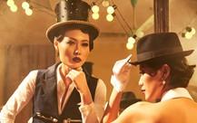 Quán quân Next top model Mai Giang mặc áo dài lấy cảm hứng từ nhân vật Tuxedo