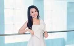 """Huỳnh Hồng Loan: """"Nhớ những ngày gọi xe ôm đi làm và ở căn nhà thuê 30m2"""""""
