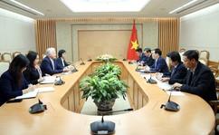 Phó Thủ tướng làm việc với Clermont Gruop về phát triển ngân hàng số