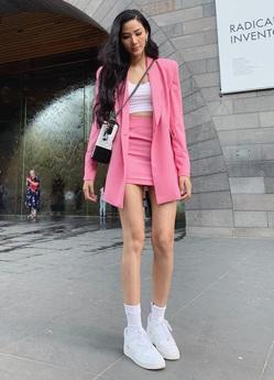 Chiếc túi Chanel yêu thích của Hoàng Thùy