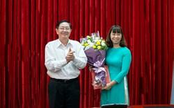 Bộ trưởng Bộ Nội vụ Lê Vĩnh Tân trao quyết định bổ nhiệm nhân sự