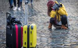 """Những chiêu móc túi """"nói mãi rồi"""" nhưng du khách vẫn bị dính"""