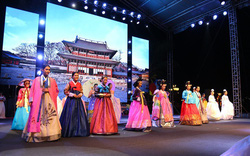 Người Hội An náo nức trải nghiệm văn hóa Hàn Quốc