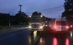 Tai nạn giao thông giữa xe khách và xe đầu kéo khiến 2 người thương vong