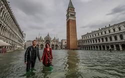 Ngắm nhìn một Venice vẫn vô cùng lãng mạn kể cả khi bị ngập gần thành bể bơi
