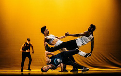 Tận mắt chứng kiến những màn trình diễn hip-hop đẳng cấp thế giới tại Việt Nam