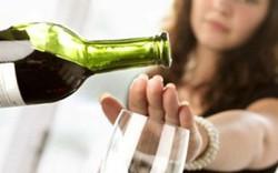 Dự thảo Luật Phòng chống tác hại của rượu bia: Quan trọng vẫn là làm thế nào để tránh việc trở thành