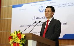"""Bộ trưởng Nguyễn Mạnh Hùng: """"Báo chí tạo niềm tin xã hội, thì phóng viên phải là người được tin cậy nhất trong xã hội"""""""