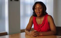Tiến sĩ da đen Harvard phẫn nộ vì hàng không Mỹ phân biệt đối xử