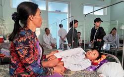 Học sinh nhập viện cấp cứu vì bị cô giáo ra lệnh cả lớp tát 230 cái