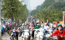 Né tắc đường, người dân Thủ đô không ngại