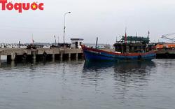 Thời tiết phức tạp, Thừa Thiên - Huế cấm tàu thuyền ra khơi từ chiều 27/12