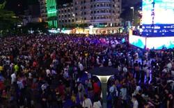 Người Sài Gòn đổ về phố đi bộ Nguyễn Huệ chào đón năm mới