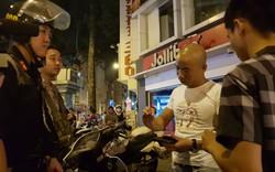 CSGT xử phạt hàng loạt người vi phạm giao thông khi 'đi bão' sau trận thắng của Việt Nam