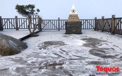 Nhiệt độ xuống thấp, băng phủ trắng đỉnh Fansipan