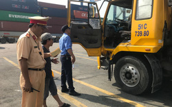Tài xế container ở Sài Gòn phản ứng kết quả kiểm tra ma túy của cảnh sát