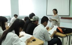 Giảng viên là NSND có bằng đại học tham gia đào tạo được tính như giảng viên có trình độ tiến sĩ