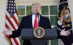 Đằng sau lý do chính phủ Mỹ bất ngờ tuyên bố mở cửa trở lại?