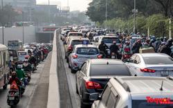 Hà Nội những ngày giáp Tết: giao thông tê liệt khắp các tuyến đường