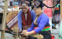 Dệt vải được coi là một trong những phẩm chất đức hạnh của người con gái Lào