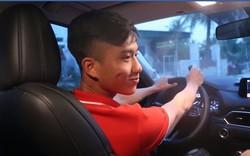 Hà Đức Chinh xây nhà cho bố mẹ, Phan Văn Đức bất ngờ tậu xe tiền tỷ đón mẹ
